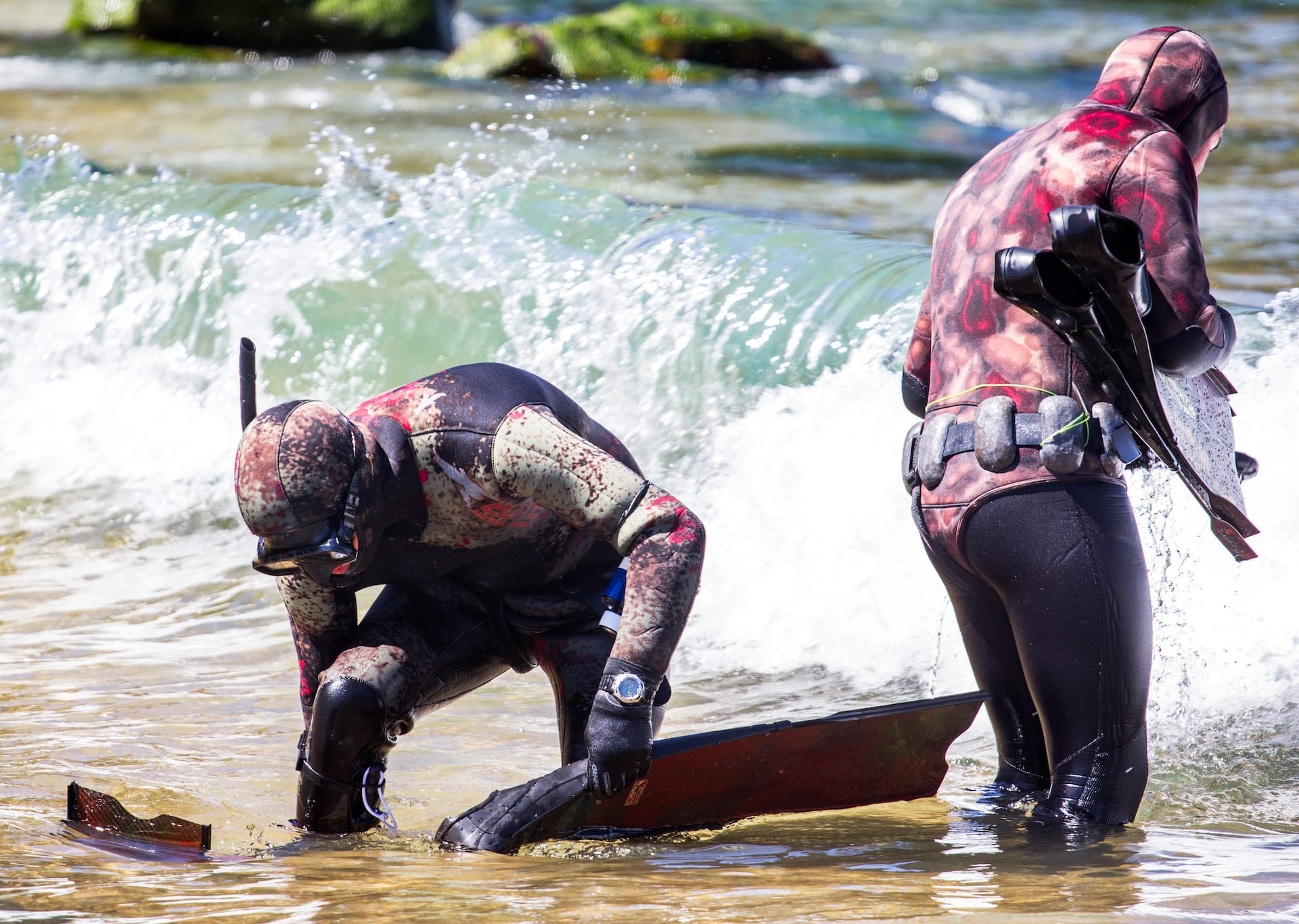 why you need a camo spearfishing wetsuit